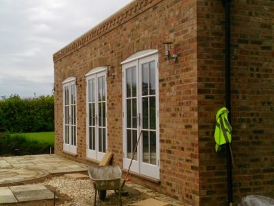 At Claridges Building Services Ltd we cover all aspects of brickwork, stonework and re pointing across Lincolnshire. We have a highly professional, vastly experienced and highly  skilled team of bricklayers and we pride ourselves on offering an exceptional service and Value for money. We are based in Grimsby , and operate throughout the whole of Lincoln, Louth and Lincolnshire.